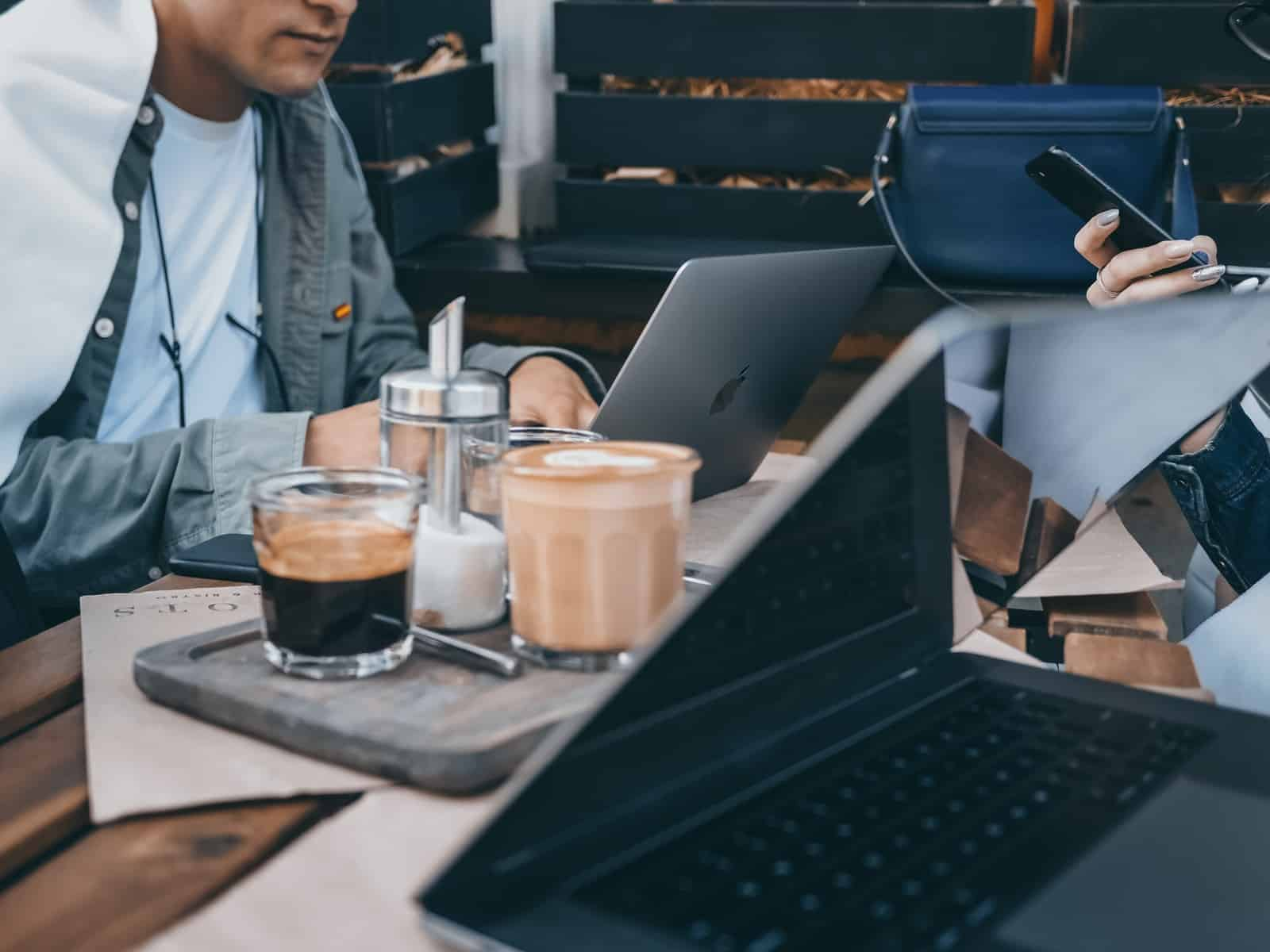 The Advantages of Having a Coffee Machine in the Workplace